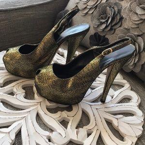 Giuseppe Zanotti Black & Gold Platform Heels 35 US